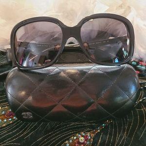 EUC Vintage Chanel Bow Sunglasses